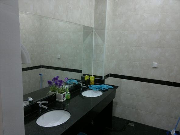 办公室卫生间装修图片
