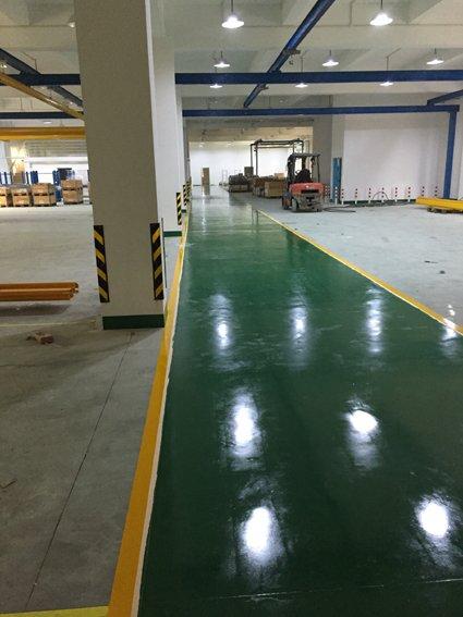 新橋廠房裝修地面環氧地坪施工